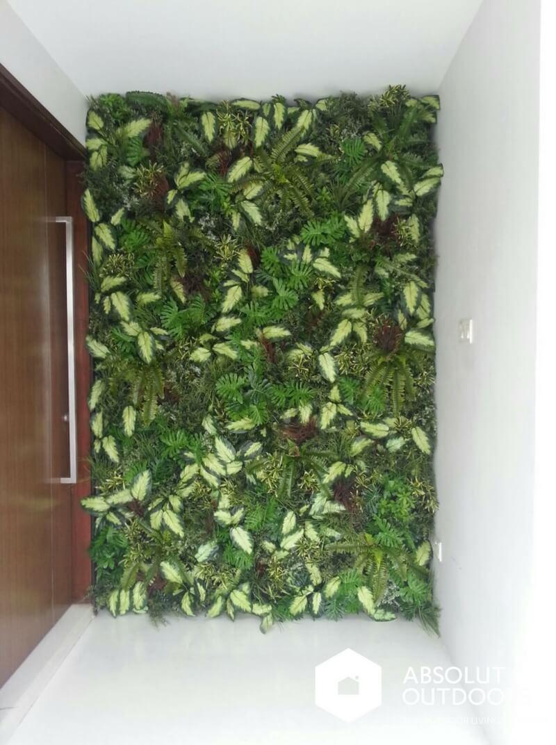 Indoor Artificial Green Wall by Main Door